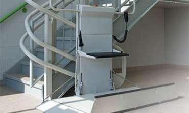 Plateformes monte escalier pour fauteuil roulant